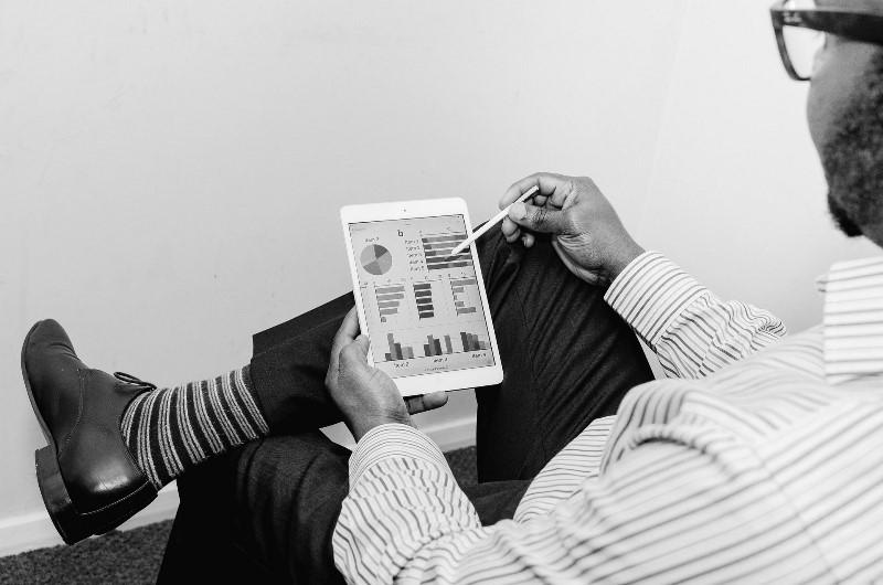 Що таке Конгломератна диверсифікація бізнесу?